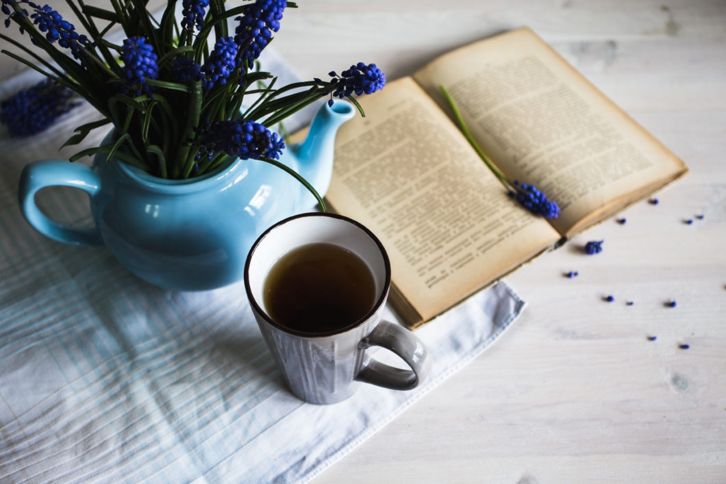 5 Perfect Books to Enjoy Over Tea | AVT Beverages